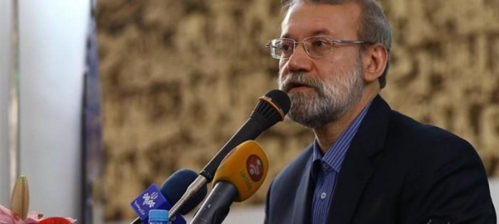 زمان کتاب خوانی در کشور ما کم است/شهرداری تهران انصافا خوب کارکرد