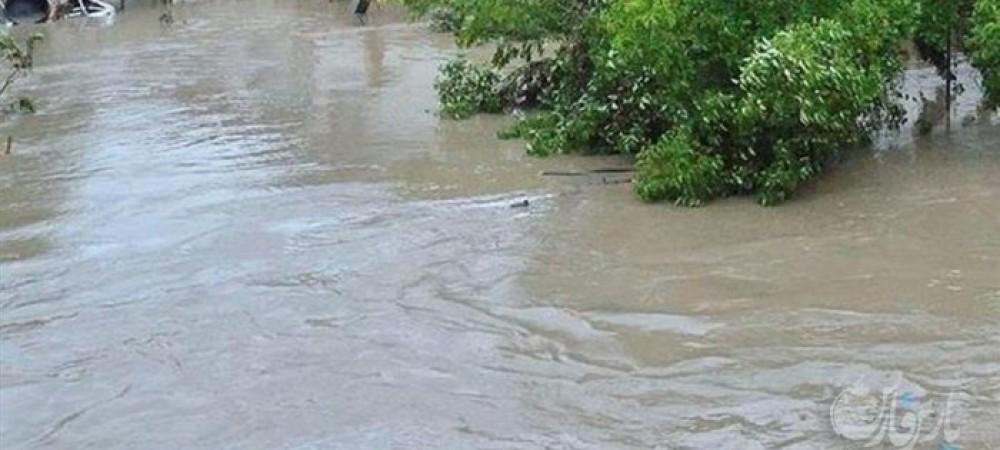وقوع سیل در ترکیه مردم را مجبور به شنا کرد !