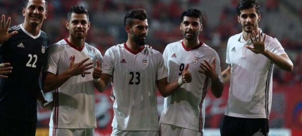 شادی ملیپوشان به همراه هواداران ایرانی ورزشگاه سئول + تصاویر