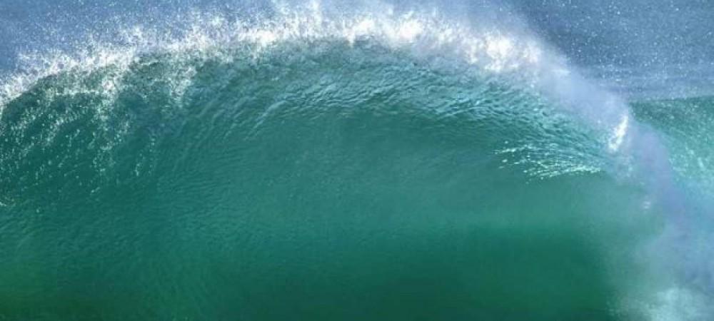 انرژی امواج اقیانوس به الکتریسیته تبدیل می شود