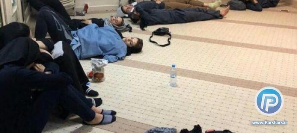 تصویری شرم آور از تحقیر و توهین به دختران ایرانی در فرودگاه
