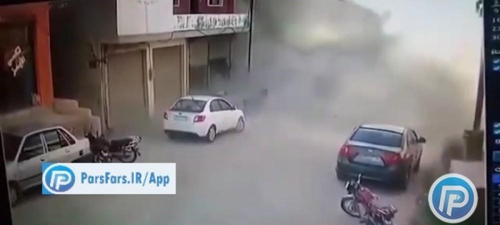 لحظه حمله تروریستی به فروشگاهی درحماه سوریه