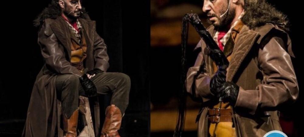 بازی حیرتانگیز «نوید محمدزاده» روی صحنه تئاتر
