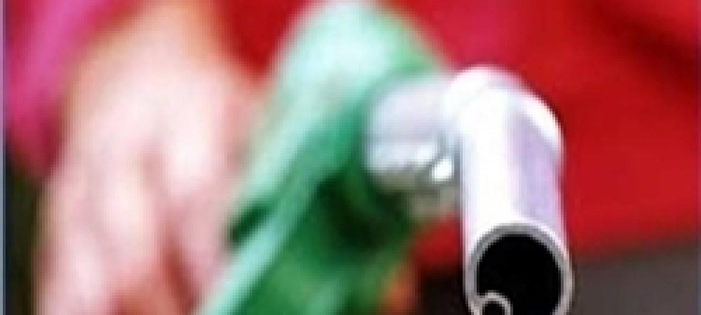 تلاش وزارت نفت برای توجیه افزایش شدید مصرف بنزین