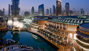 ۶ کار مجانی در دبی مال